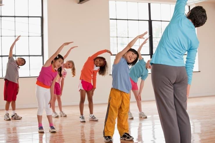تمرینات کششی برای افزایش قد کودکان