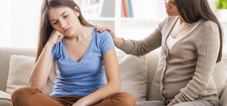 سوالات متداول پدر و مادرها درباره دختران و تغییرات بدن