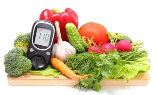پرهیز غذایی همراه با تزریق انسولین
