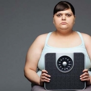 چاقی زنان در اثر سبک زندگی، بارداری، متابولیسم پایین و ژنتیک