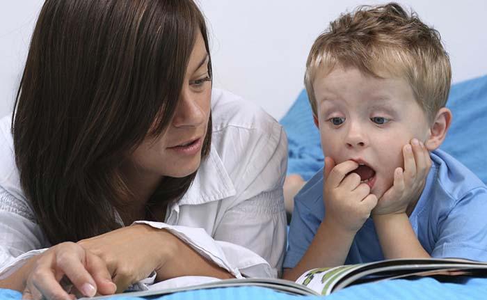 چگونه اختلال طیف اوتیسم بر مهارتهای یادگیری و رشد کودک تاثیر میگذارد؟