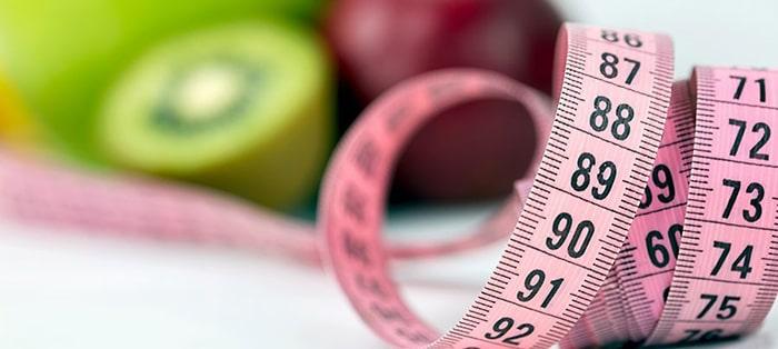 کاهش وزن برای جلوگیری از آکنه قبل از پریودی